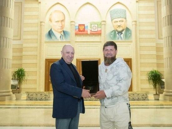 Вознаграждение глава Чечни попросил выплатить купюрами по 20 долларов