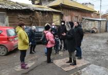 Сотрудники администрации лично встречаются с жильцами астраханских аварийных домов