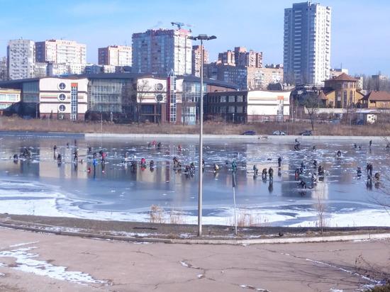 В Амвросиевском районе ДНР рыбак провалился под лед