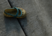 В городе Ленинск-Кузнецкий Кемеровской области правоохранители проводят проверку по факту смерти ребенка, изъятого у матери и переданного в детдом