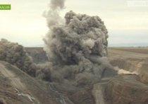 Правительство Хакасии требует угольщиков изменить методы взрывных работ на разрезах