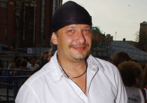 Раздел наследства популярного актера Дмитрия Марьянова, трагически погибшего после пребывания в неофициальном реабилитационном центре для алкоголиков в октябре 2017 года, будет проведен по новой схеме