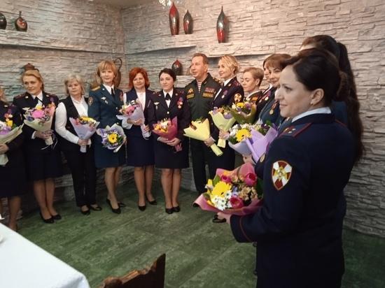 Золотов поздравил с 8 марта сотрудниц Росгвардии в Новосибирске