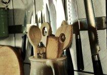 Жительница Хакасии обокрала знакомую и накупила кухонной утвари