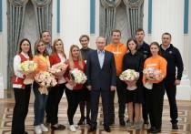 На состоявшейся в четверг встрече президента Владимира Путина с волонтерами акции «Мы вместе» ее участники задали достаточно много вопросов и высказали ряд пожеланий главе государства