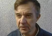 Скопинский маньяк Виктор Мохов, который на днях освободился из колонии, не смог заселиться в гостиницу в своем родном городе — ему отказались предоставлять в номер