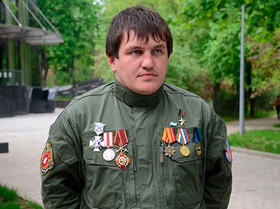 Служба государственной безопасности (СГБ) Абхазии задержала ветерана войны в Донбассе, бывшего командира интернациональной бригады «Пятнашка» самопровозглашенной ДНР Ахру Авидзбу, сообщил российский военкор Семен Пегов в своем Telegram-канале