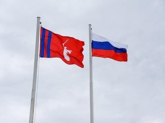 Встреча в Белом зале региональной администрации началась с поздравлений губернатора в адрес всех жительниц Волгоградской области