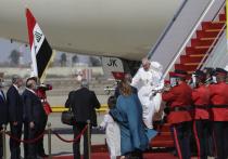 Папа Римский Франциск, которому сейчас 82 года, в отличие от других мировых лидеров, дома не сидит - он отправился в Ирак