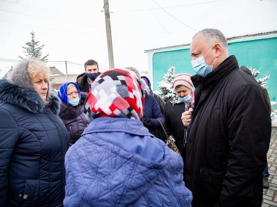 В Молдове самые активные политики - Игорь Додон и Майя Санду