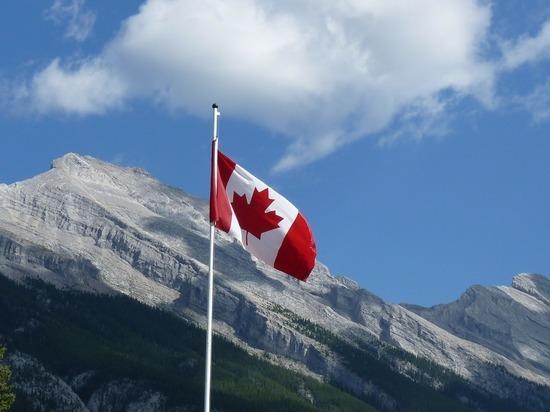 Два человека пострадали при крушении вертолета в Канаде