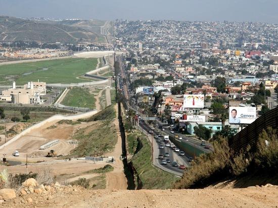 Reuters: за месяц 100 тыс. человек задержали на границе с Мексикой