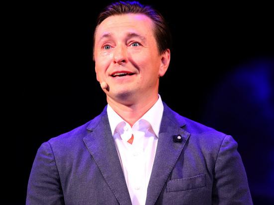 Дюжев заявил, что Сергей Безруков пережил сердечный приступ на сцене