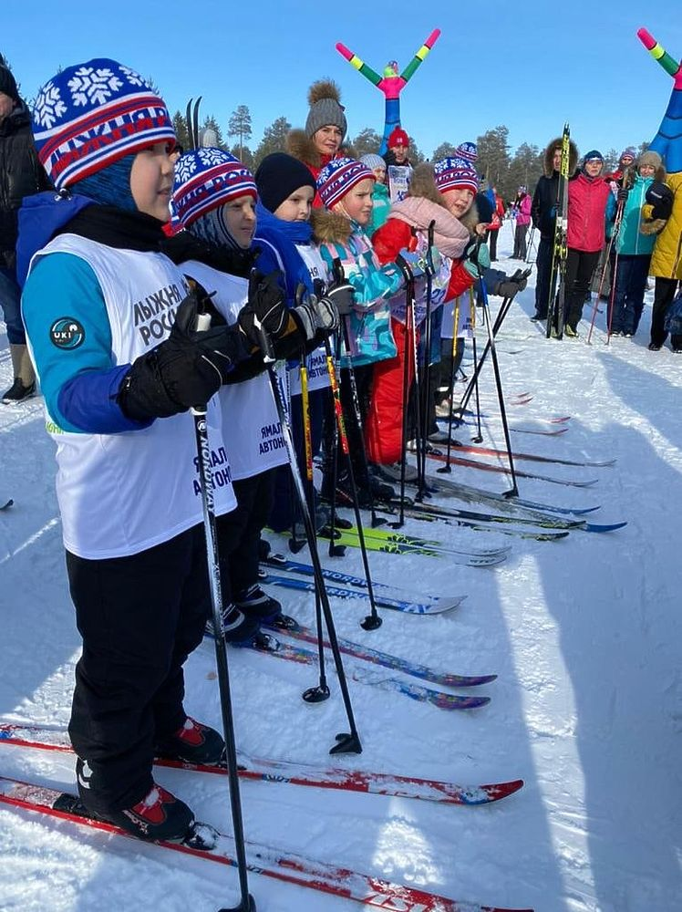 Дети и взрослые, любители и профессионалы: «Лыжня России» прошла в Ноябрьске и Надыме