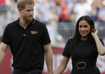 Скандал вокруг внука британской королевы принца Гарри и его жены получил международное развитие