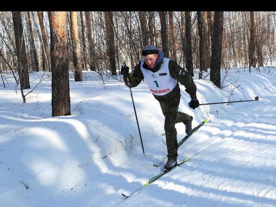 Сборная МЧС выиграла «гонку патрулей» на соревнованиях памяти омских стрелков-лыжников