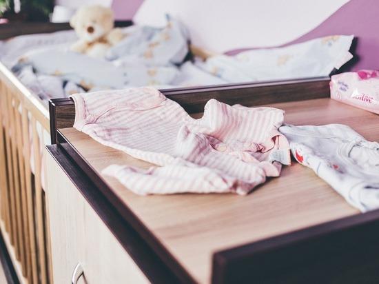Во Владимирской области на маленькую девочку упал шкаф: малышку спасти не удалось