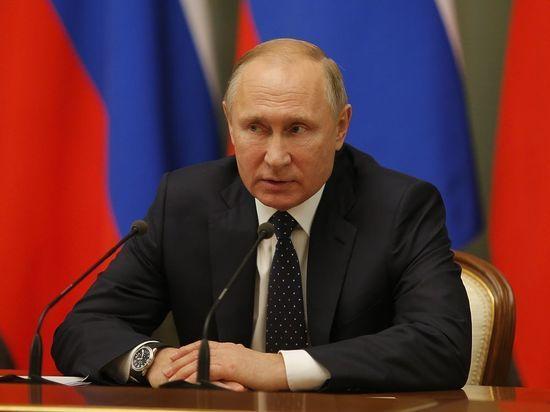 Владимир Путин поздравил женщин России с 8 марта