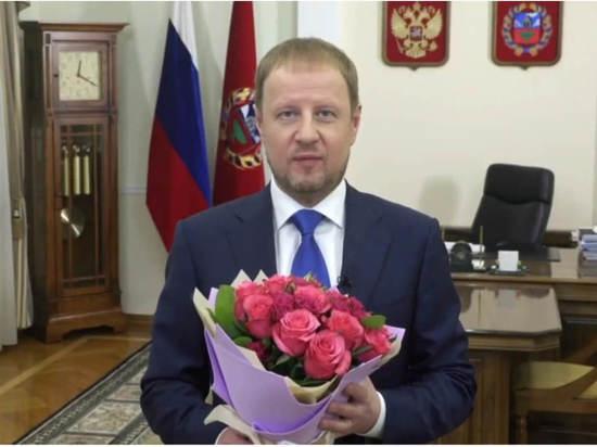 Глава Алтайского края Виктор Томенко записал видеообращение в честь 8 марта
