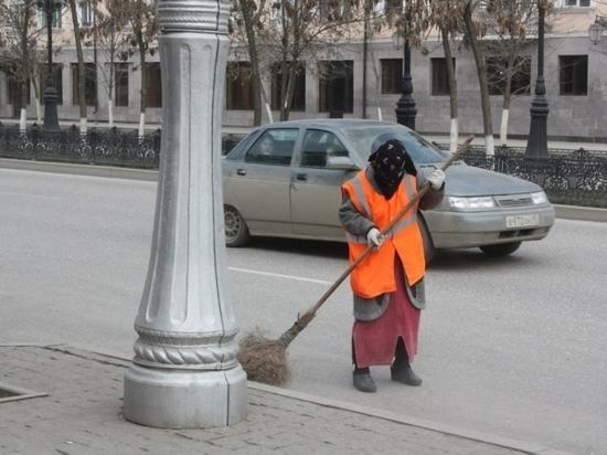 Власти Каспийска уволили половину уборщиц в канун 8 марта