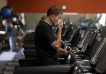 Исследования показывают, что маски для лица безопасны для использования во время интенсивных  спортивных тренировок
