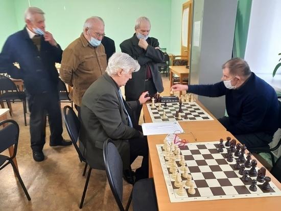 В Калуге разыграли кубок по шахматам среди ветеранов