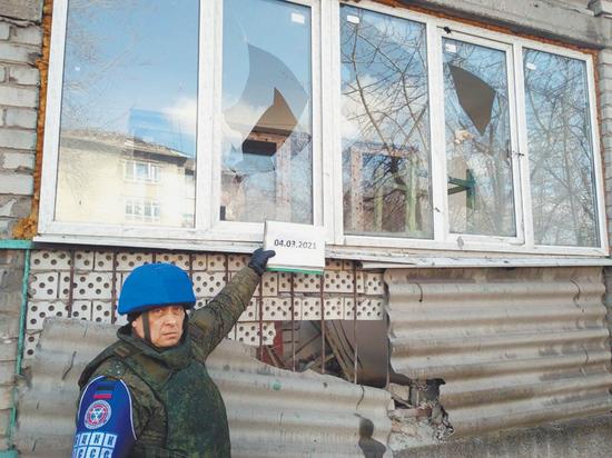 8 Марта Донецк слушал обстрелы