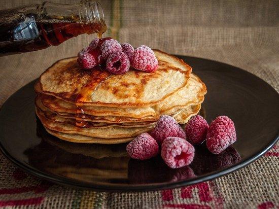 Традиционная Масленица славится вкусными блинами с маслом, вареньем или с красной икоркой