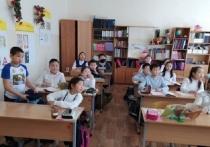 Знаток калмыцких традиций и обычаев заслуженный учитель Калмыкии и России в канун Международного женского дня отметила свое 85-летие