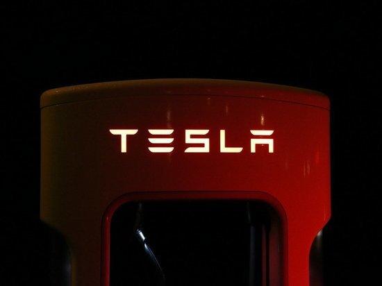 Рыночная капитализация Tesla упала почти на 300 млрд долларов с января