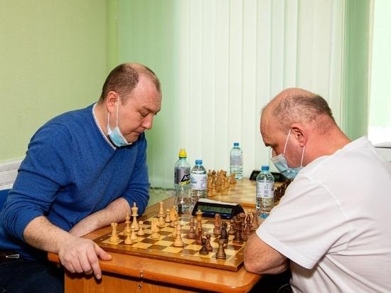 Медики Ноябрьска сыграли в шахматы в рамках спартакиады «Кубок Севера»