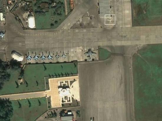Эксперты на спутниковых снимках на российском военном аэродроме в Сирии заметили летательный аппарат, очень похожий формой и размерами на новейший отечественный ударный БПЛА «Альтиус»