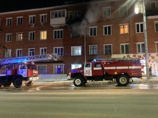 Во Владимире горела квартира на Гагарина: 10 человек эвакуировали и одного спасли