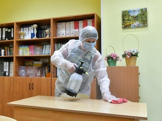 SARS-CoV-2 помещали на полотенце, пластик, дерево, металл и плитку