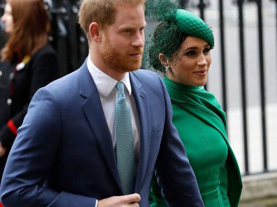 Начав открытую «войну» против пары, Букингемский дворец рискует вызвать огонь на себя