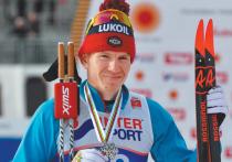 Александр Большунов стал самым высокооплачиваемым лыжником среди мужчин в этом сезоне — за чемпионат мира он заработал примерно 3 млн рублей призовых, а до этого уже сумел получить еще около 14 миллионов, в том числе и за выступление на «Тур де Ски», на который норвежцы не поехали; а потому их заработки в сезоне рядом не стояли