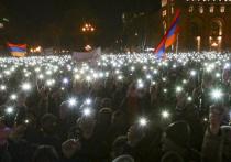 Эксперт предрек гражданскую войну в Армении одновременно с донбасским обострением