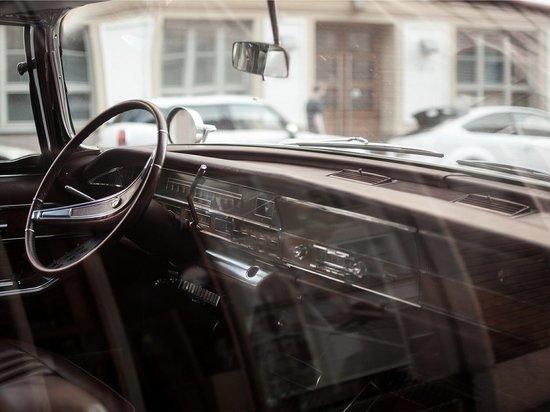 Барнаульский водитель сбил пенсионерку, переходившую дорогу в неположенном месте