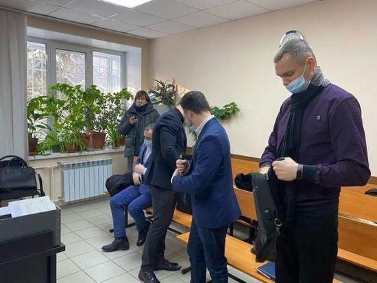 В деле омских полицейских о вымогательстве «всплыли» деньги тестя