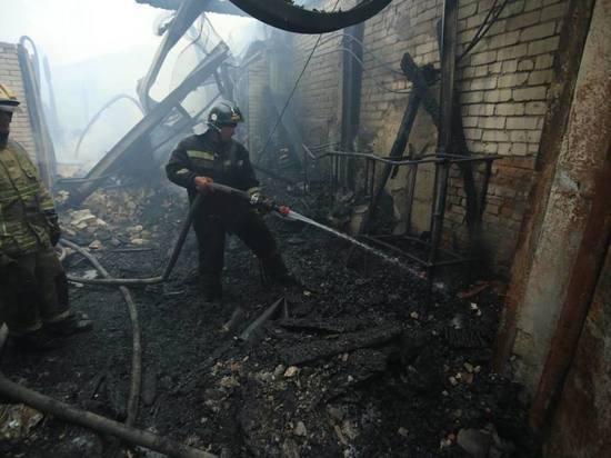 В Барнауле случился серьезный пожар в здании радиозавода