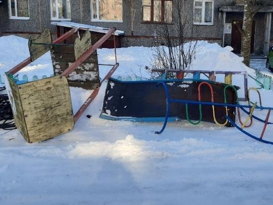 Карельский чиновник извинился за демонтаж детской площадки