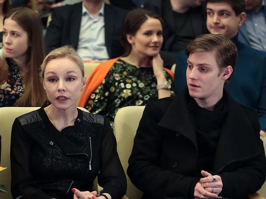 Молодой актер покинул театр в 2019 году