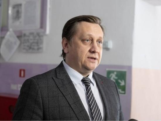 Глава алтайского минобра опроверг случай массового отравления в школе №128