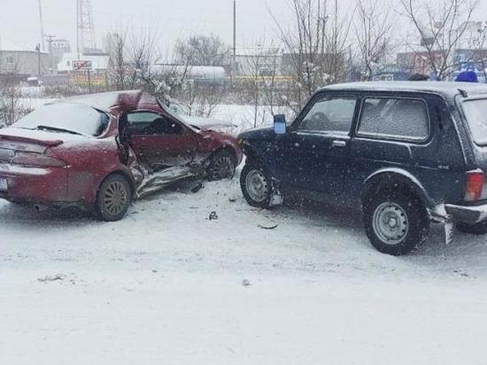 В Абакане тойота выехала на встречную полосу, водитель погиб