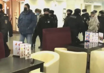 Задержанных на форуме муниципальных депутатов доставили в московские ОВД
