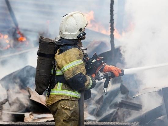 Обычно женщинам не дают тушить огонь, но нашей журналистке позволили