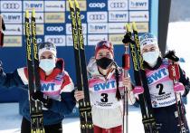 """Российская лыжница Юлия Ступак стала победительницей женского масс-старта на финальном этапе Кубка мира – как и Александр Большунов часом ранее, она оторвалась от своих преследовательниц и финишировала в гордом одиночестве. """"МК-Спорт"""" рассказывает подробности."""