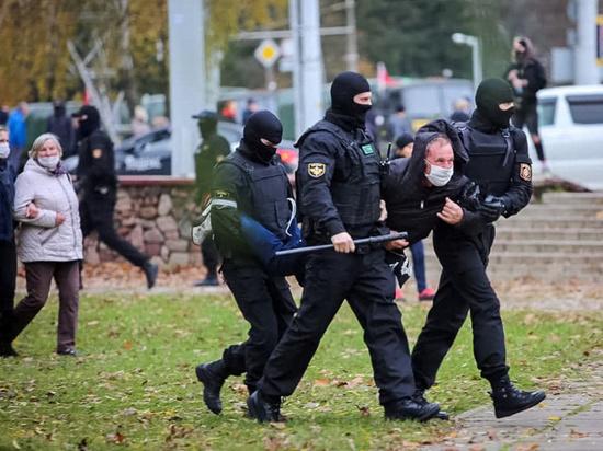 ЕК намерена финансово поддерживать белорусскую молодежь