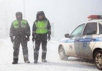 Снегопад вынудил ГИБДД в Хакасии увеличить количество экипажей