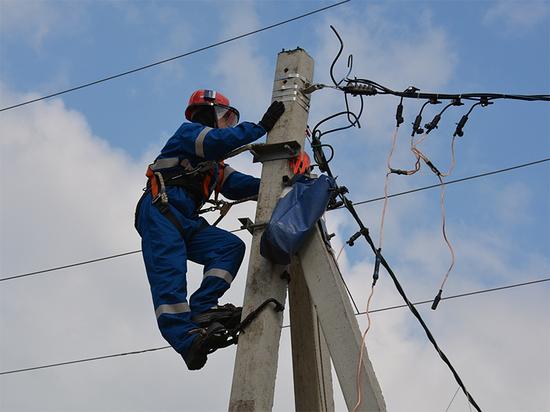 Жители 18 поселков в Забайкалье остались без света из-за штормового ветра